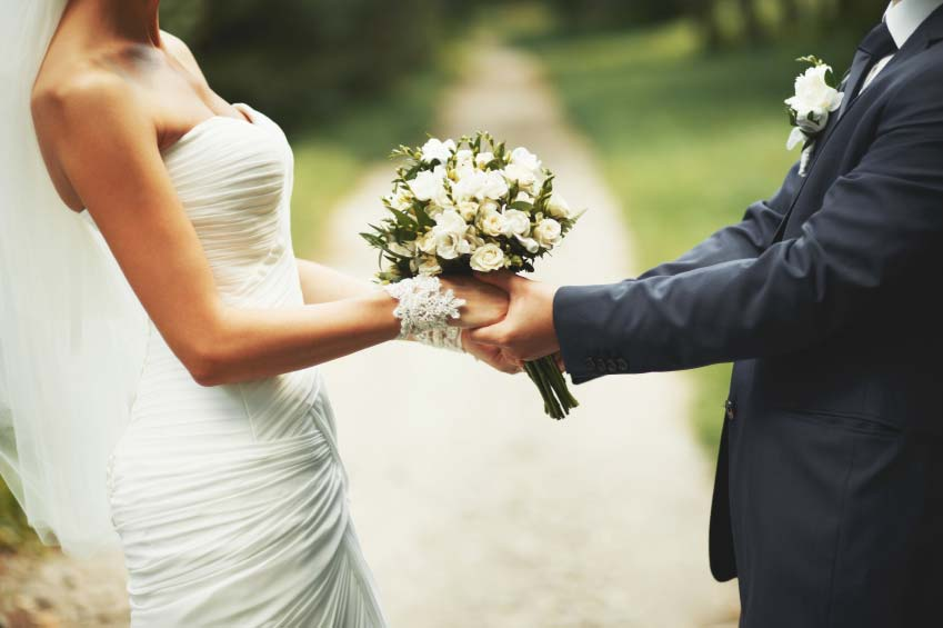 Minnesota and Indiana have recently proposed legislation that would permit Notaries to perform weddings.